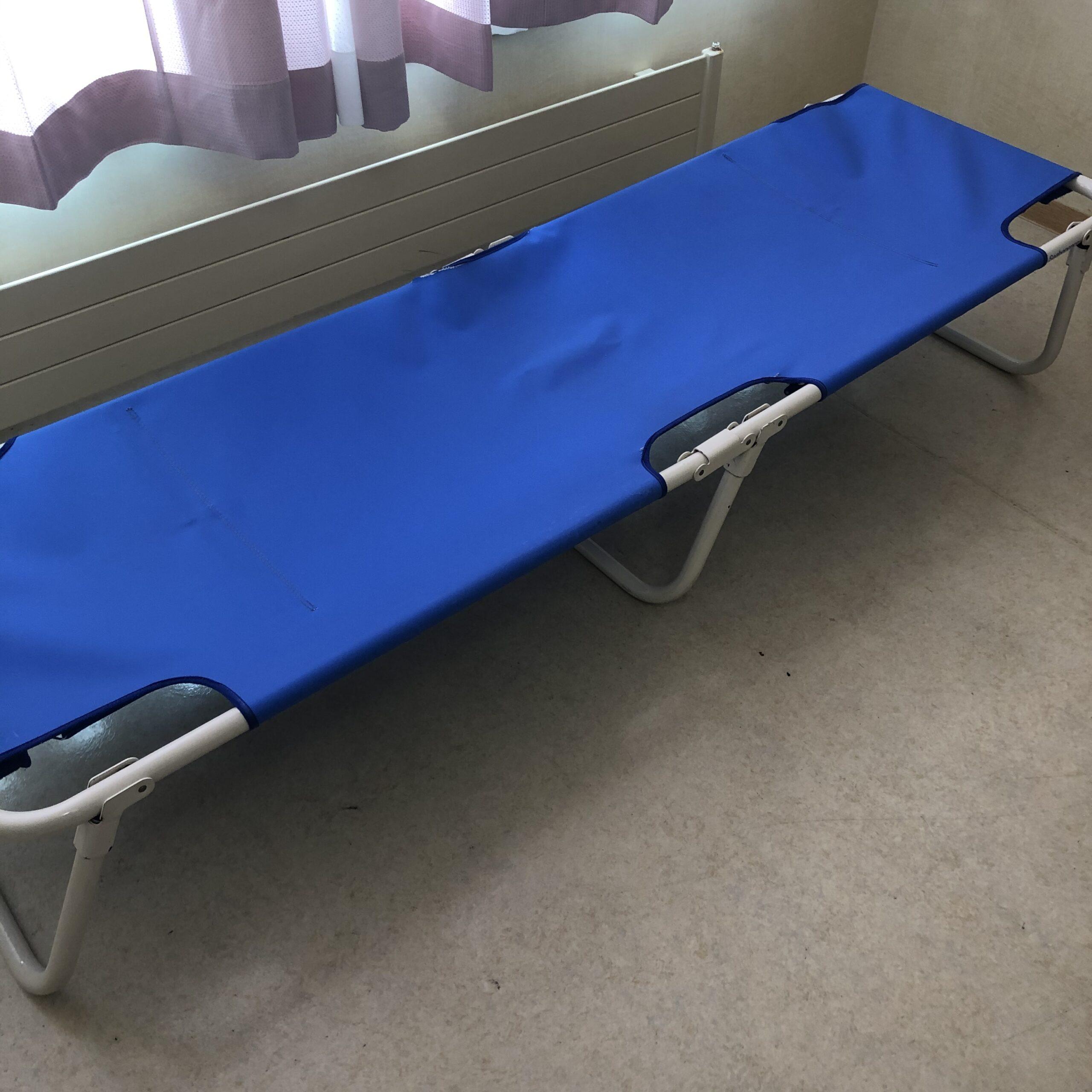付き添いの簡易ベッド