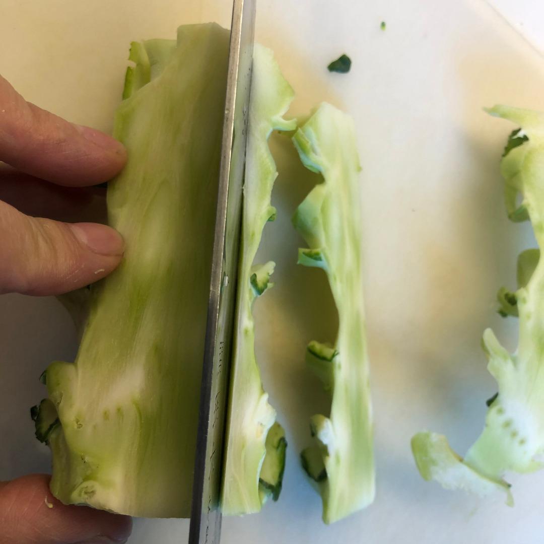 ブロッコリーの茎の食べ方