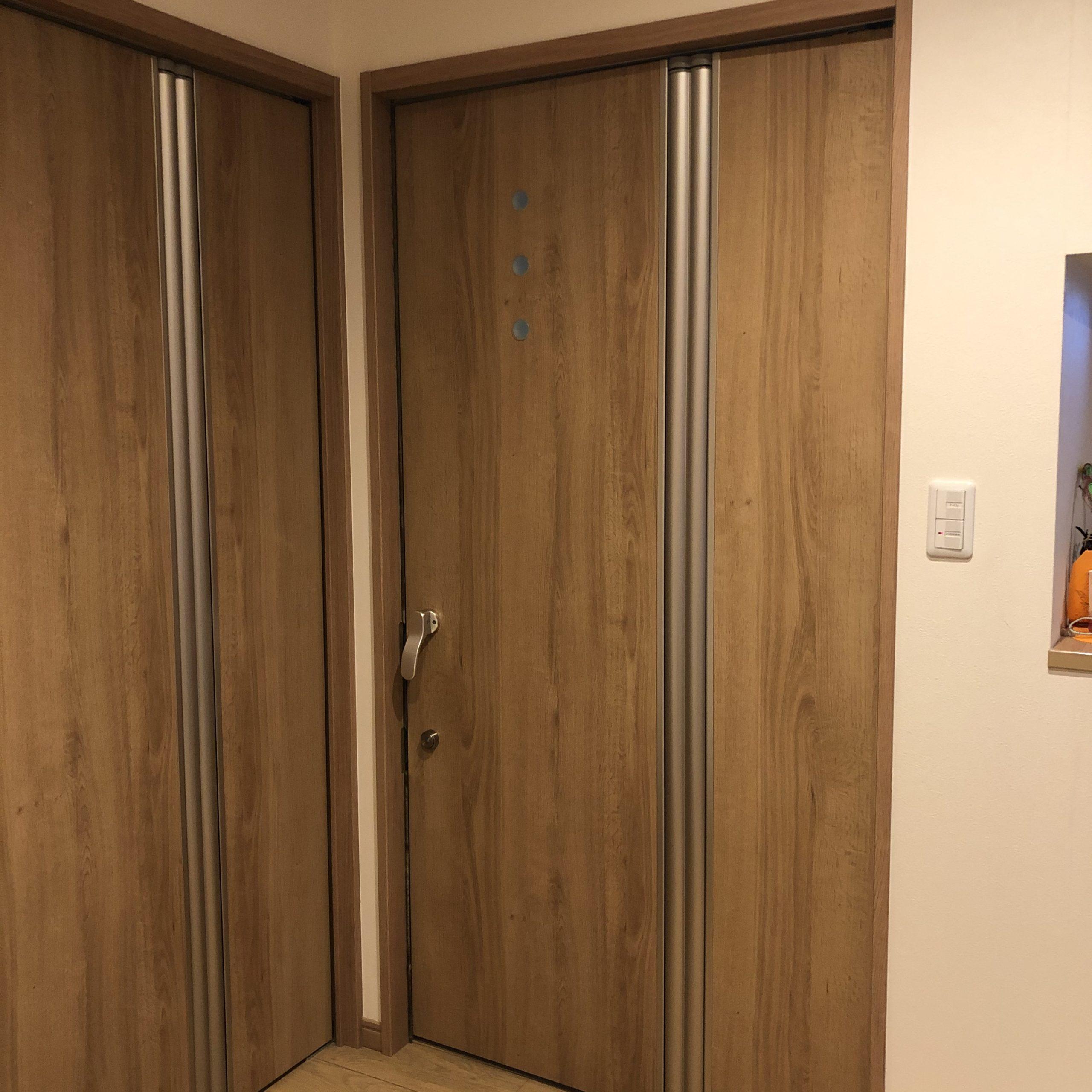 車椅子用室内ドア